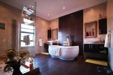 Main Bathroom - 22 square meters of property in The Wilds Estate