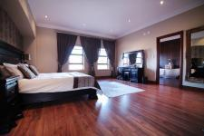 Main Bedroom - 60 square meters of property in The Wilds Estate