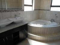 Main Bathroom - 9 square meters of property in Rynfield