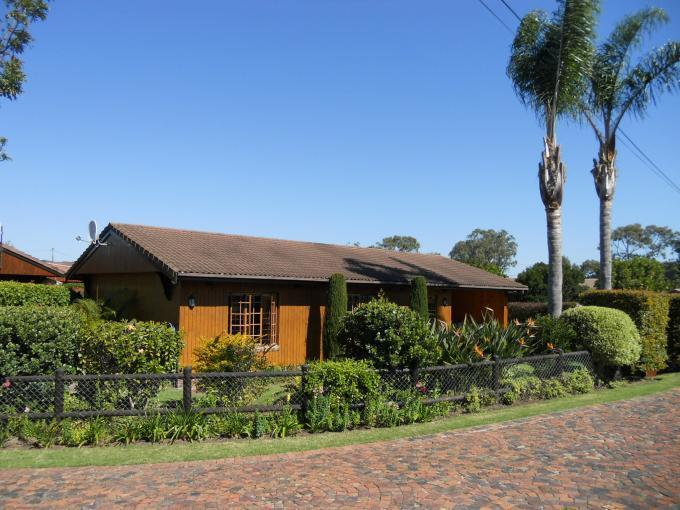 2 Bedroom Sectional Title for Sale For Sale in Keurboomstrand - Private Sale - MR116751