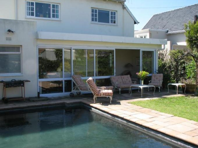 4 Bedroom House to Rent To Rent in Rondebosch   - Private Rental - MR116756