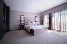 Main Bedroom - 41 square meters of property in The Wilds Estate