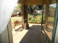 Patio - 6 square meters of property in Clayville