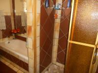 Main Bathroom - 7 square meters of property in Clayville