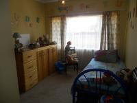Bed Room 1 - 13 square meters of property in Clayville