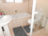 Main Bathroom - 3 square meters of property in Greenhills