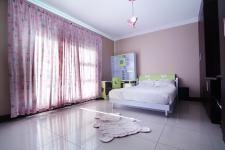 Bed Room 2 - 22 square meters of property in Newmark Estate