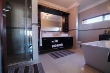 Main Bathroom - 17 square meters of property in Newmark Estate