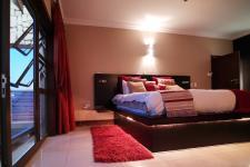 Main Bedroom - 48 square meters of property in Newmark Estate