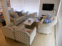 Lounges - 21 square meters of property in Plettenberg Bay