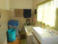 Main Bathroom - 10 square meters of property in Bela-Bela (Warmbad)