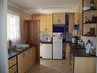 Kitchen - 12 square meters of property in Crestholme