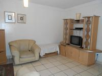 Lounges - 21 square meters of property in Waldrift