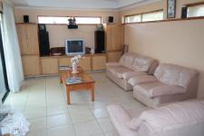 Lounges - 40 square meters of property in Athlone - CPT