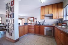 Kitchen - 16 square meters of property in Six Fountains Estate