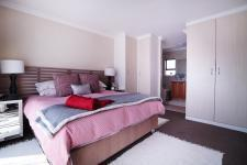 Main Bedroom - 18 square meters of property in Six Fountains Estate