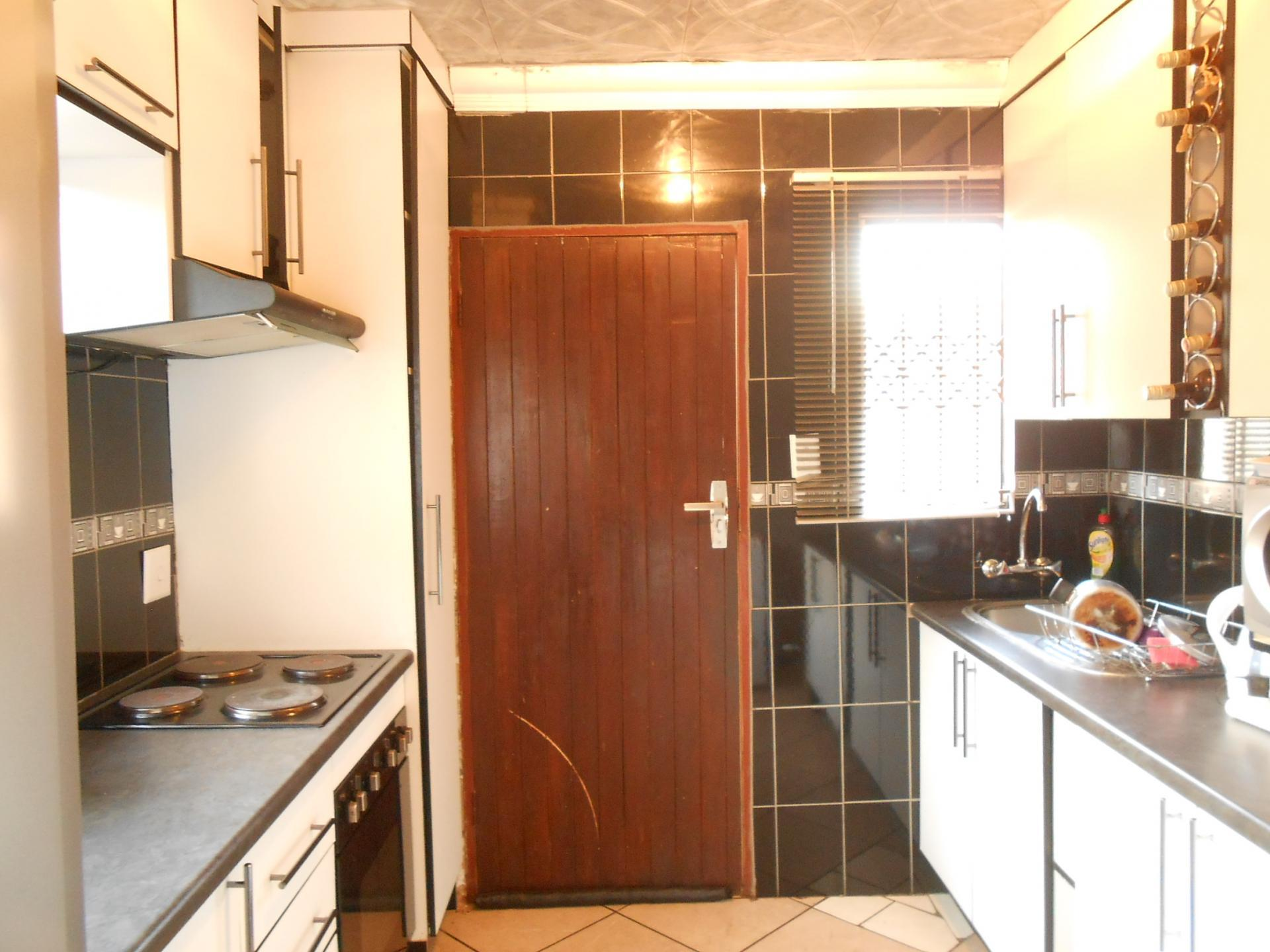 3 bedroom house for sale for sale in midrand private for Affordable kitchens gauteng