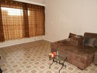 Lounges - 22 square meters of property in Alberton