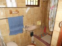 Bathroom 2 - 1 square meters of property in Queensburgh