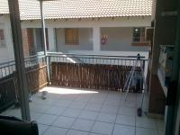 Patio - 13 square meters of property in Waterval East