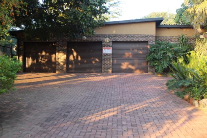 4 Bedroom House for Sale For Sale in Barberton - Private Sale - MR117132