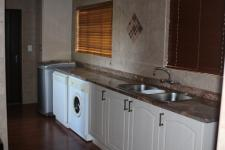 Kitchen - 14 square meters of property in Barberton