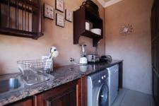 Kitchen - 38 square meters of property in The Wilds Estate