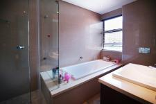 Bathroom 2 - 16 square meters of property in Silver Lakes Golf Estate