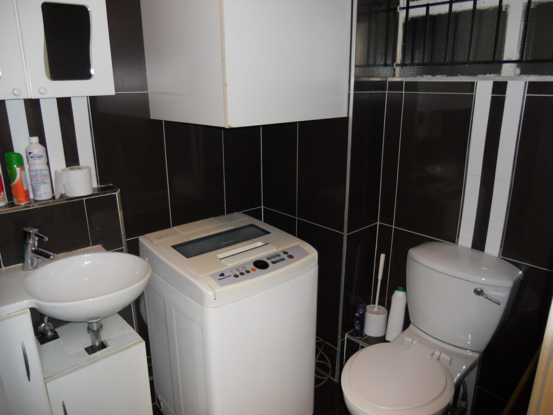 The Kingsmead Kitchen Bath
