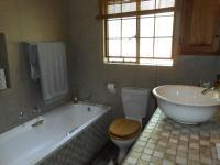 Main Bathroom - 17 square meters of property in Rietondale