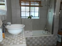 Bathroom 1 - 9 square meters of property in Rietondale