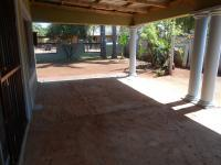 Patio - 31 square meters of property in Karenpark