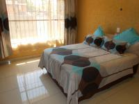 Main Bedroom - 18 square meters of property in Karenpark