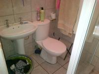 Main Bathroom - 20 square meters of property in Nigel