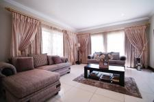 Lounges - 24 square meters of property in The Wilds Estate