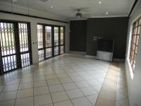 Lounges - 32 square meters of property in Umtentweni
