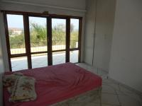 Bed Room 2 - 16 square meters of property in Umtentweni