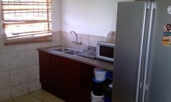 Kitchen - 9 square meters of property in Karenpark