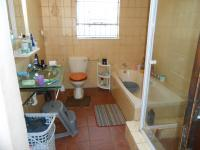 Main Bathroom - 7 square meters of property in President Park A.H.