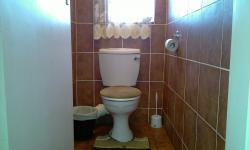 Bathroom 1 - 1 square meters of property in Jan Niemand Park
