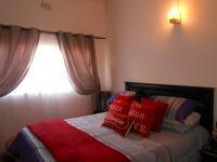 Main Bedroom - 10 square meters of property in Three Rivers