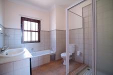Bathroom 3+ - 8 square meters of property in Woodhill Golf Estate