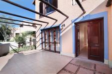 Patio - 57 square meters of property in Woodhill Golf Estate