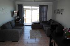 Lounges - 16 square meters of property in Gordons Bay