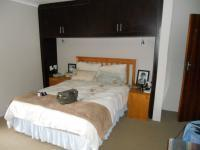Main Bedroom - 22 square meters of property in Mossel Bay