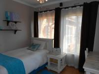 Bed Room 2 - 12 square meters of property in Vaalpark