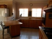 Kitchen - 33 square meters of property in Vaalpark