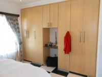 Main Bedroom - 17 square meters of property in Theresapark