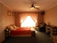 Main Bedroom - 29 square meters of property in Noordheuwel