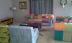 Lounges - 41 square meters of property in Buffelspoort